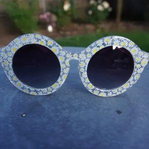 Summer Daisy Sunnies